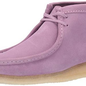 Clarks Men's Wallabee Boot Chukka, Lavender Suede